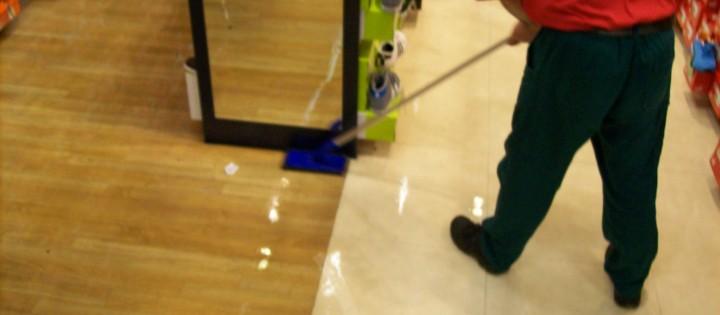 Strojové čištění podlah včetně fluatace Olomouc