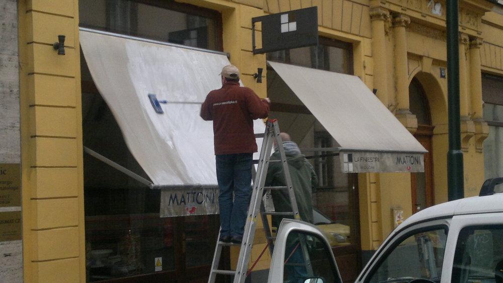 Čištění látkových markýz v Brně