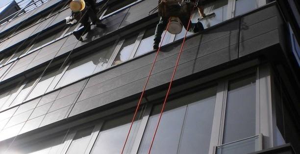 Mytí oken a nanoimpregnační nátěr ve výšce Brno